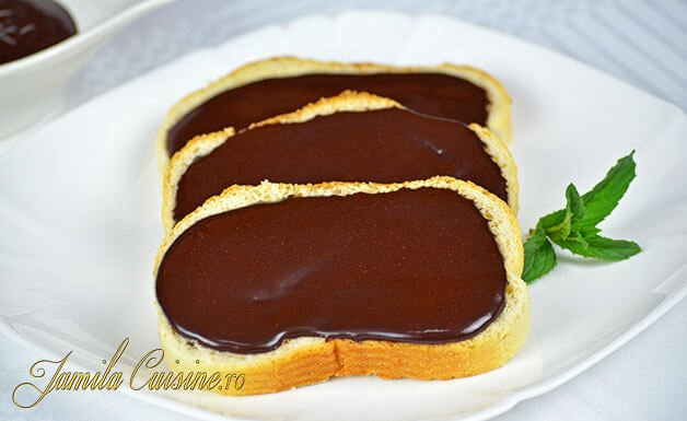 Crema de ciocolata Nutella imagini