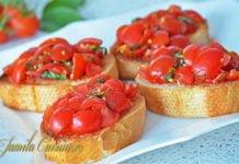 Bruschette-cu-rosii-imagini