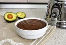 Budinca de ciocolata cu unt de arahide