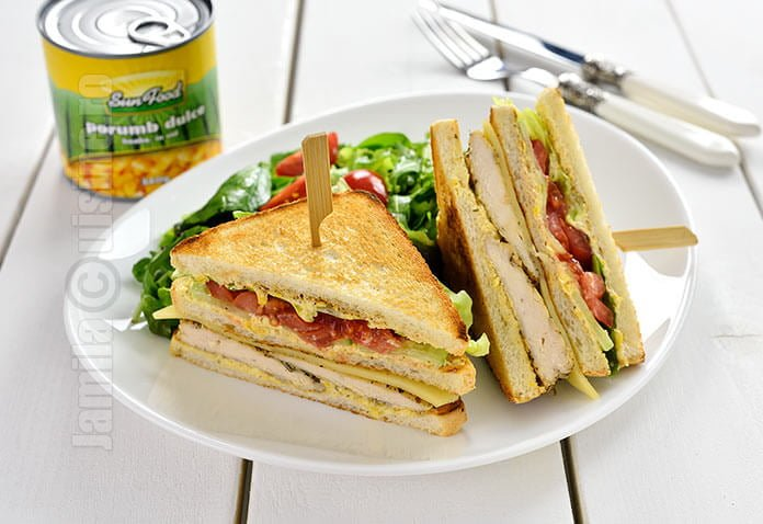 Sandwich cu pui si porumb video