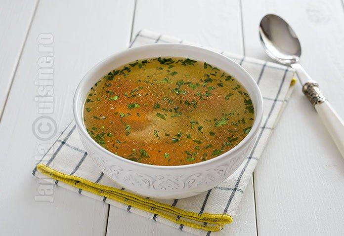 Supa de pui facuta la Crock-Pot