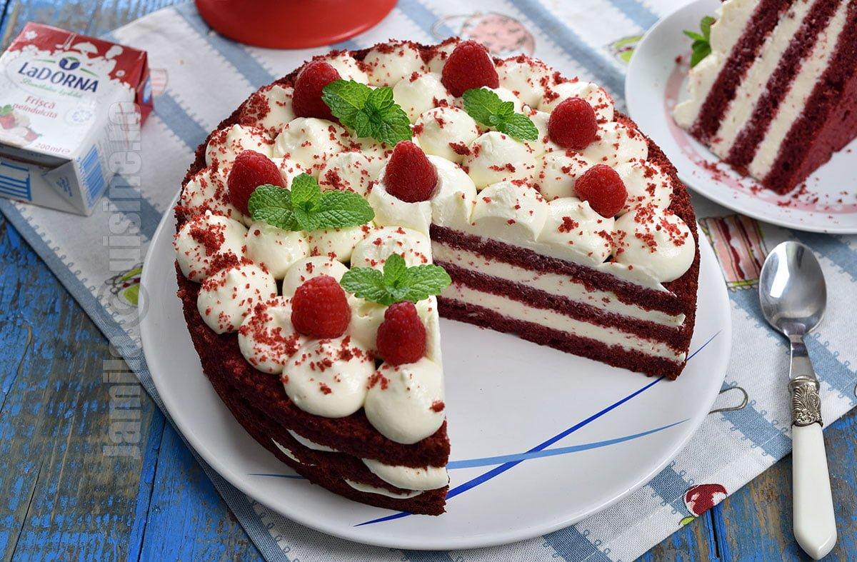 Tort Red Velvet / Tort catifea rosie