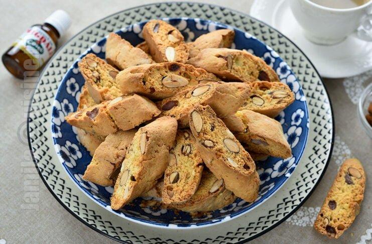 Biscotti cu migdale / Biscuiti italienesti coapte de doua ori