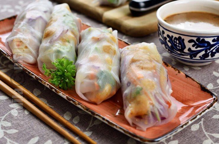 Spring rolls / Pachetele de primavara